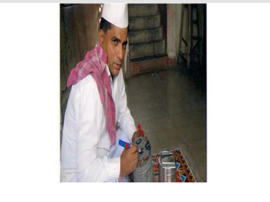 Govt asks Mumbai dabbawalas to affix cleanliness messages on tiffins