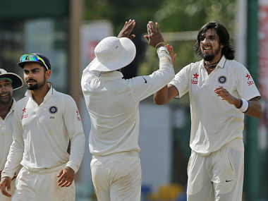 Sri Lanka fight back after Ishant five-for as 15 wickets fall on see-saw day