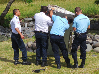 MH370 mystery Plane debris found on Indian Ocean island part of Boeing 777 says Malaysia
