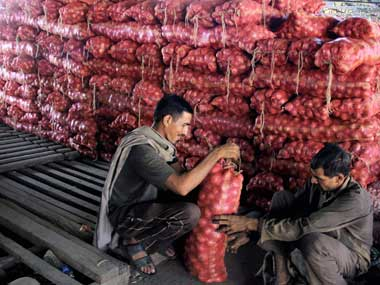 Govt imposes 850tonne MEP on onion exports move aims at bringing down spiralling domestic prices