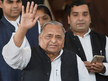 Will miffed SP be able to cobble together a new alliance in JD(U)-RJD ruled Bihar?