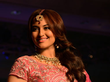 Cant sing classical songs I like to rap Sonakshi Sinha