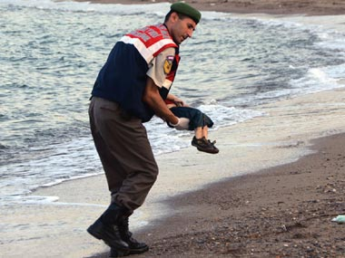 'My children slipped through my hands': father of drowned Syrian boy