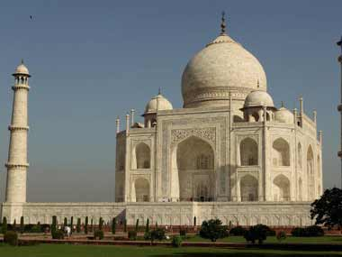 Rishi Kapoor is right Let us start the renaming project with Taj Mahal