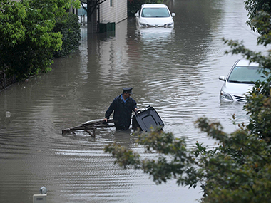 China floods 10 killed in Shaanxi province more than 71000 people forced to evacuate