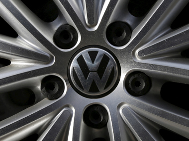 Scandal-hit Volkswagen needs more than a year to fix all cars