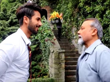 Very nervous to work with Dad in Shaandaar but it was fun Shahid Kapoor on Pankaj Kapur