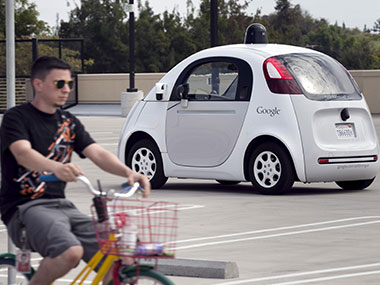 British finance minister announces plans to have driverless cars running on UK roads by 2021