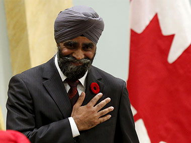In a first 2 Sikhs among 4 IndianCanadians sworn in as ministers in Trudeaus Cabinet