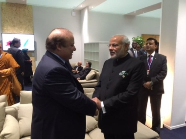 CoP 21: PM Modi meets Nawaz Sharif at the climate change summit in Paris