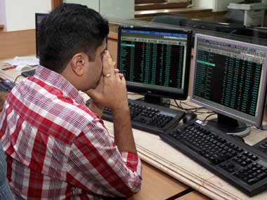 Sensex retreats after 4session surge ends 285 pts down on weak global cues