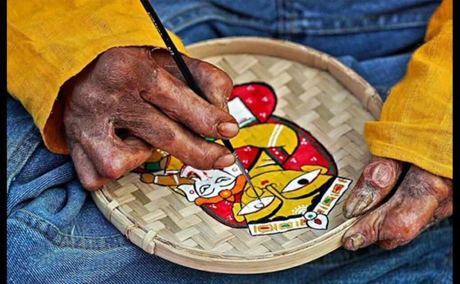 In this image, Sammya captures the weathered hands of a local artist painting an image of the Goddess Durga with Lord Ganesha seated in her lap, during the local festival of Durga Puja. Sammya Brata Mullick, 27 years, Consultant