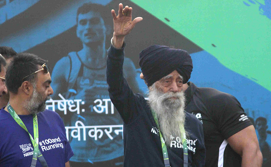104 year old British Sikh marathon runner Fauja Singh during the Standard Chartered Mumbai Marathon 2016 in Mumbai, India on January 17, 2016. (Pravin Utturkar/SOLARIS IMAGES)