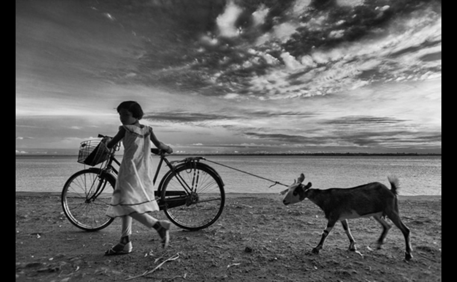 This image was taken in a place called Gadiara, in West Bengal, India, on the banks of River Roopnarayan. Debarshi Duttagupta, 39 years, Self-employed businessman