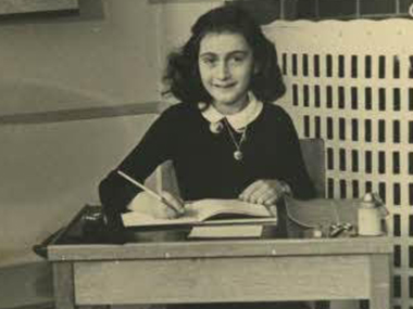 Anne-Frank_Wikimedia-Commons_380