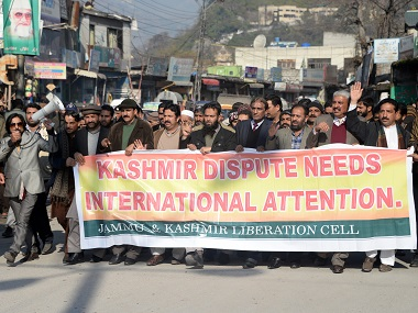 Activists of the Jammu and Kashmir Liberation group march during a protest demanding the implementation of the United Nations resolution on Kashmir of 5 January, 1949, in Muzaffarabad, the capital of Pakistan controlled Kashmir on 5 January, 2016. AFP