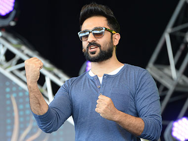 Vir Das to star in American television show In Theory; will play a math-genius turned radio jockey