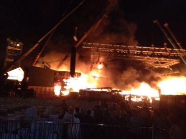 As Puja Sawant dances to 'Lavani' number, huge fire guts Make In India stage at Chowpatty