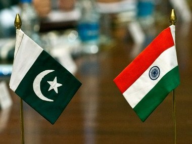 India's new envoy presents credentials to Pakistan President