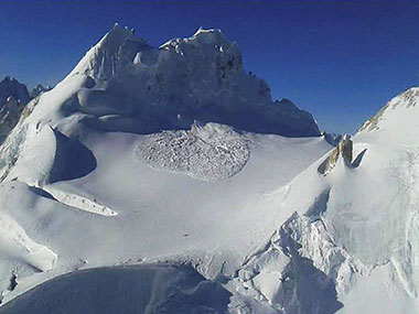 'A miracle!': One Indian soldier rescued from under 25 ft of snow after 6 days in Siachen