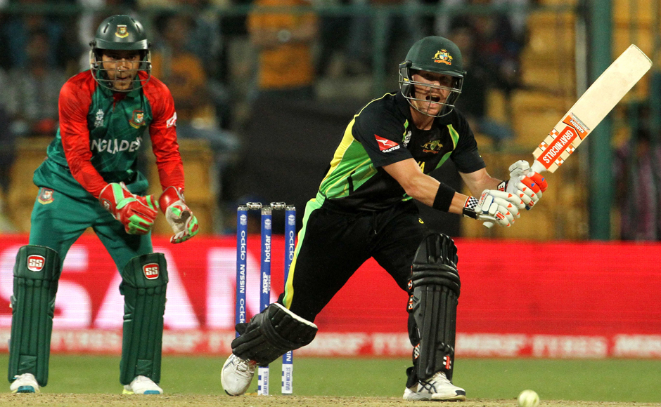 David Warner (right) hit a six and a four each during his nine-ball innings of 17. Solaris Images