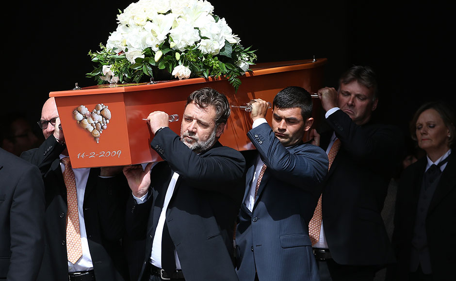 The pall bearers including actor and cousin Russell Crowe (FR) carry the casket after the funeral service for Martin Crowe on March 11, 2016 in Auckland, New Zealand. Former New Zealand cricketer Martin Crowe passed away last Thursday, aged 53. (Photo by Fiona Goodall/Getty Images)