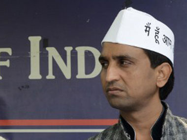 Kumar Vishwas trying to fracture AAP at BJPs behest alleges party MLA