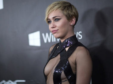 Miley Cyrus wants 'everyone to get high' at her wedding