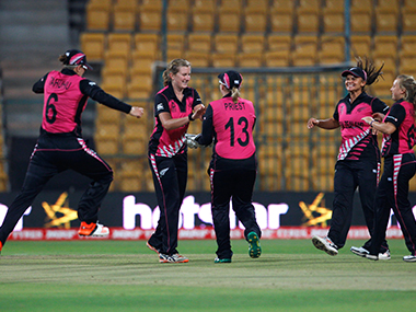 Womens World T20 No stopping the White Ferns as New Zealand thrash South Africa to seal semifinal berth