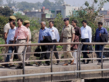 The Pakistan investigative team that has come to India fo probing the Pathankot attack. Ibnlive