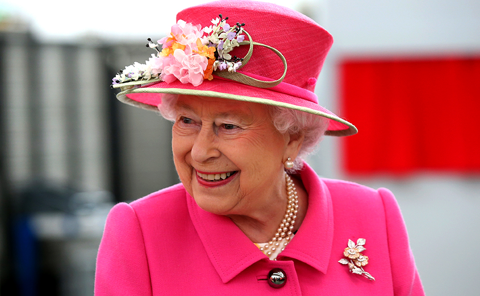 WINDSOR, ENGLAND - APRIL 20: Queen Elizabeth II arrives at the Queen Elizabeth II delivery office in Windsor with Prince Philip, Duke of Edinburgh on April 20, 2016 in Windsor, Britain. The visit marks the 500th Anniversary of the Royal Mail delivery service. The Queen and Duke of Edinburgh are carrying out engagements in Windsor ahead of the Queen's 90th Birthday tommorow. REUTERS/Chris Jackson/Pool