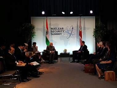 Narendra Modi and David Cameron at the Nuclear Security Summit. Image courtesy: Twitter @narendramodi