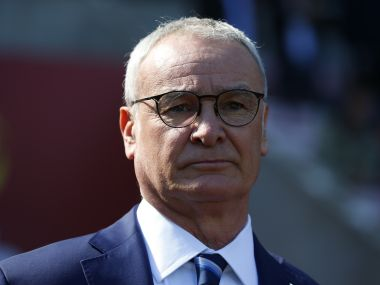 Claudio Ranieri to earn 5 million pounds if Leicester win the Premier League: Reports