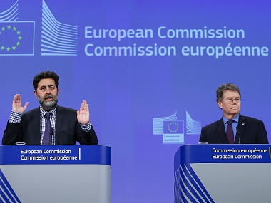 European Union chief negotiator Ignacio Garcia Bercero (L) and U.S. chief negotiator Dan Mullaney (R) address a news conference after the 12th round of EU-US trade negotiations for the Transatlantic Trade and Investment Partnership (TTIP) at the EU Commission headquarters in Brussels in February. Reuters