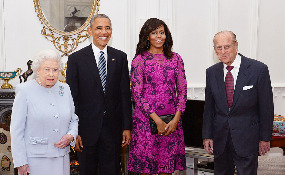 Britain's Queen Elizabeth II and the Duke of Edinburgh stand with the President and First Lady of the United States Barack Obama and his wife Michelle (both centre), in the Oak Room at Windsor Castle ahead of a private lunch hosted by the Queen in Windsor, Britain, April 22, 2016. REUTERS/John Stillwell/Pool