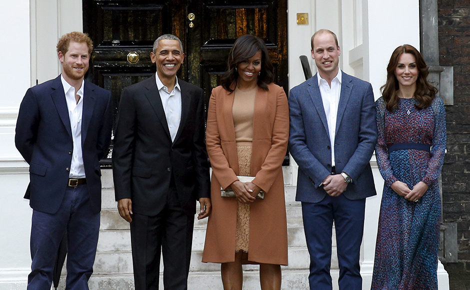 U.S. President Barack Obama and first lady Michelle Obama pose with Britain's Prince William, his wife Catherine, Duchess of Cambridge, and Prince Harry, upon arrival for dinner at Kensington Palace in London, Britain April 22, 2016. REUTERS/Kevin Lamarque