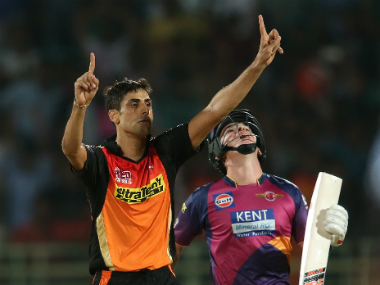Nehra to undergo knee surgery after injury suffered during IPL