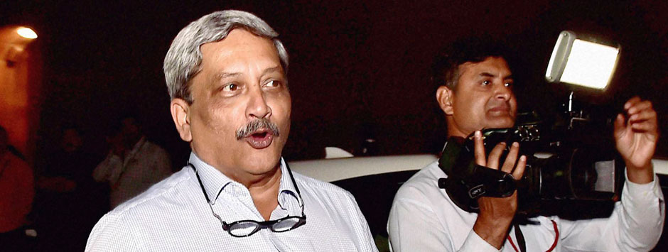 AgustaWestland acrimony: Parrikar's 'invisible hand' hits Congress