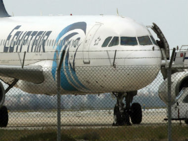 Beacon from crashed EgyptAir flight 804 detected, search narrows
