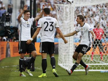 Euro 2016: Julian Draxler dazzles as Germany brush off Slovakia to enter quarters