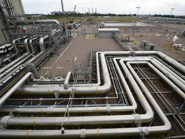 Petronet submits proposal to set up 1 billion LNG import facility in Bangladesh