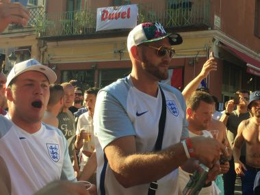 Euro 2016: Tyson Fury makes surprise appearance, buys English fans drinks