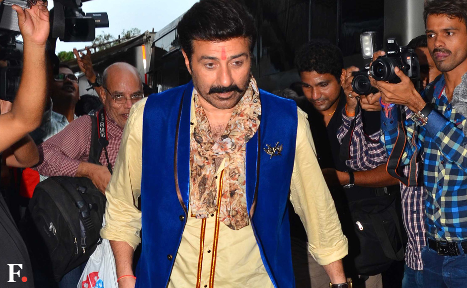 """Sunny Deol spotted at their upcoming movie """" Bhaiyyaji Superhit '' at Borivali Sachin Gokhale/Firstpost"""