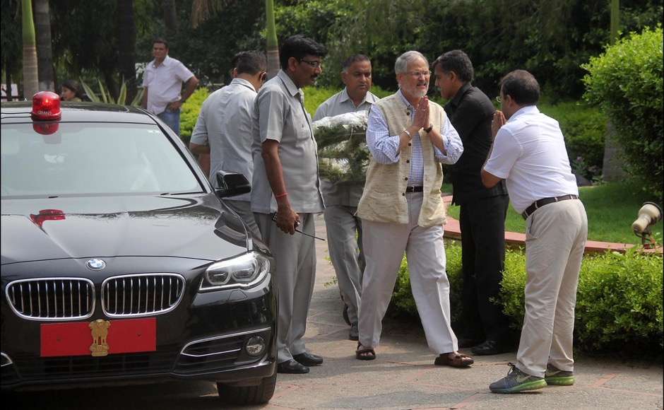 Lieutenant Governor of Delhi Najeeb Jung arrive to offer his condolence to the family members of the slain teenager Tarushi Jain in Gurgaon, outskirts of New Delhi, India on July 4, 2016, after she was killed by attackers at a cafe in the Bangladeshi capital Dhaka late July 1. The Indian teenager was among 20 foreigners who were killed after being taken hostage by a group of attackers at an upmarket cafe in Bangladesh capital Dhaka . (Jyoti Kapoor/ SOLARIS IMAGES)