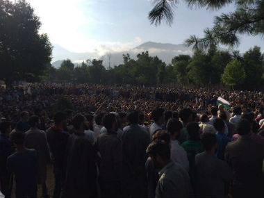Thousands gathered at Tral for the funeral of Burhan Wani. Sandipan Sharma/Firstpost