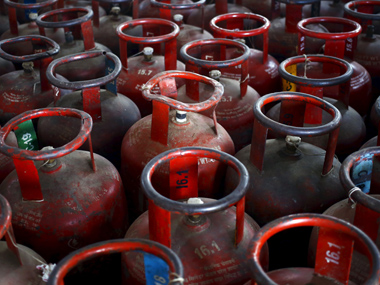 LPG savings due to DBT less than Rs 2000 cr CAG may punch holes in govt claim