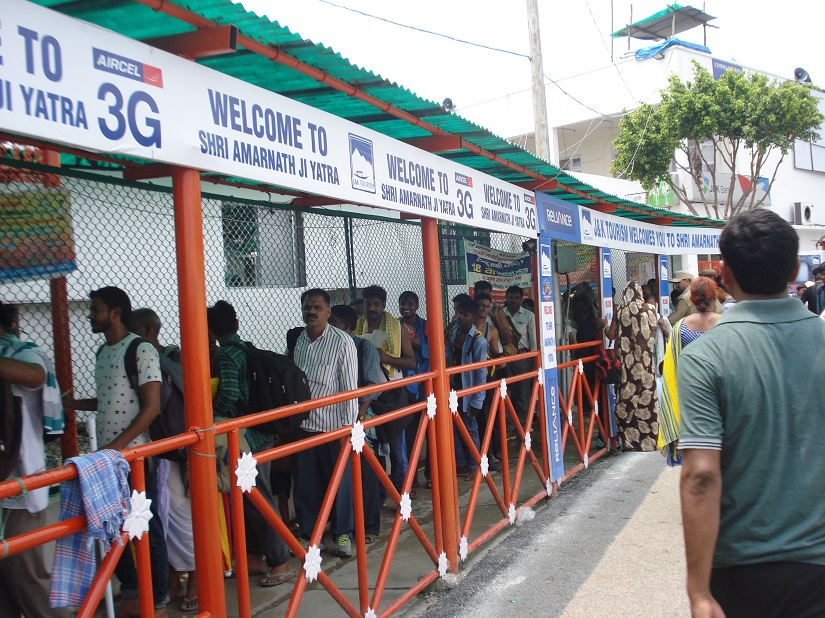 Despite the crisis, there are long queues for tickets for the Amarnath darshan at the Amarnath Yatri Niwas, Jammu. Ambika Choudhary