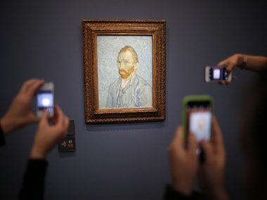 Van Gogh's secret ingredient: A grasshopper who 'loves Vincent' a bit too much