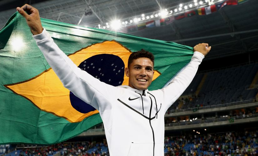 Thiago Braz da Silva celebrates winning the Men's Pole Vault final. Getty