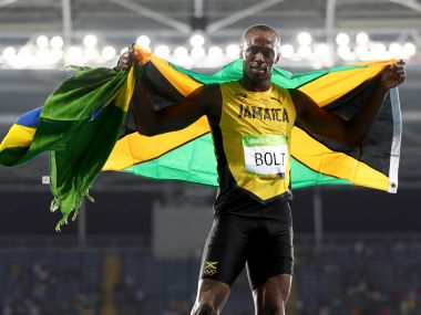 Rio Olympics 2016 Usain Bolt keeps hopes alive for triple triple after third 200m gold